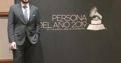 ¡Un paraguayo entregó  los premios Grammys!