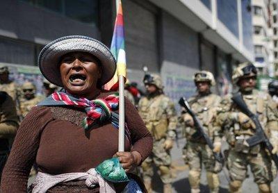 Fracasa el intento para llamar a elecciones en Bolivia y recrudece la represión