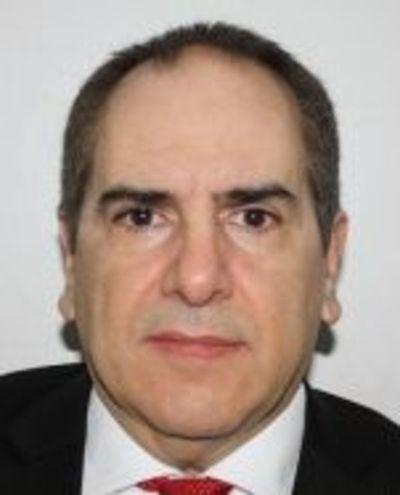 Empresario requerido por justicia brasileña busca desmarcarse de Darío Messer