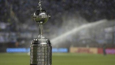 Conmebol cambió al árbitro VAR del Flamengo-River