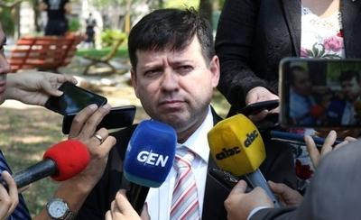 HOY / Renuncia secretario de Villamayor tras sugestiva reunión con abogados de Messer