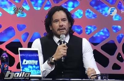 """Cimarro severo con la pareja compuesta por la """"Chica Extra"""" del Baila"""