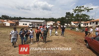 AUTORIDADES DEL MUVH SE REUNIERON CON FUTUROS PROPIETARIOS DE VIVIENDAS