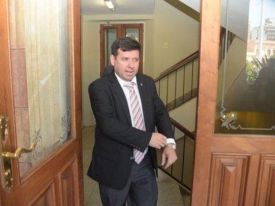 Destituyen de Yacyretá a ex secretario de Villamayor