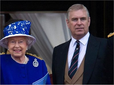 El príncipe Andrés de Inglaterra abandona sus funciones públicas