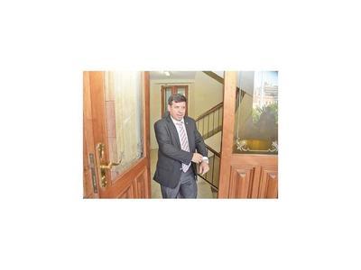 Ex secretario de Villamayor fue desvinculado de la EBY