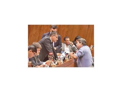 Diputados no debatieron y los  cartistas insisten con fueros