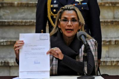 Bolivia: Áñez pide aprobar ley para convocar a nuevas elecciones