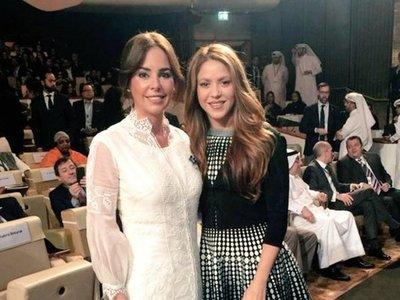 Silvana Abdo posó al lado de Shakira en cumbre por la educación