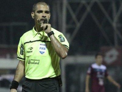 El árbitro del superclásico