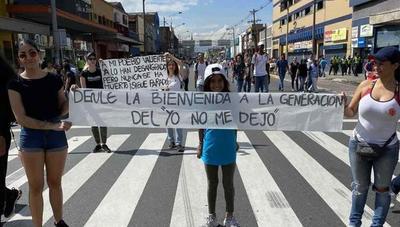 Los colombianos se apoderan de las calles para protestar contra el Gobierno