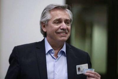 Alberto Fernández evalúa un aumento generalizado para los sueldos bajos, jubilaciones y planes sociales