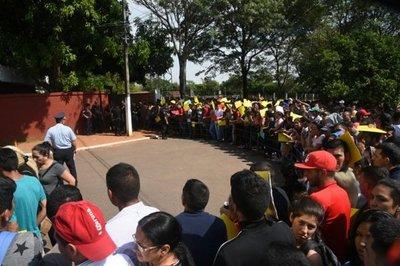 Aspirantes a policía se manifiestan tras masiva eliminación