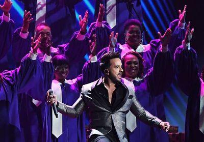 """Fonsi agradece su nominación al Grammy y visita lugar donde filmó """"Despacito"""""""