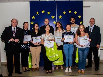 """La Unión Europea premió a los ganadores el concurso """"Tembi'u Europa"""""""