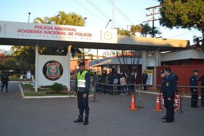 En un plazo de 10 días aspirantes a policía 'eliminados' tendrán respuesta a sus reclamos