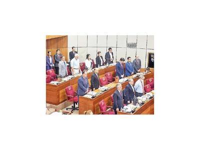 Senado se ratifica en pensión en caso de feminicidios
