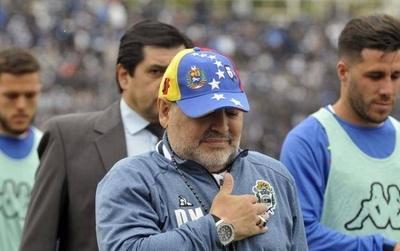 HOY / Maradona vuelve a Gimnasia dos días después de haber renunciado