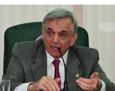 ARP: Situación de Cartes afecta hasta al sector ganadero