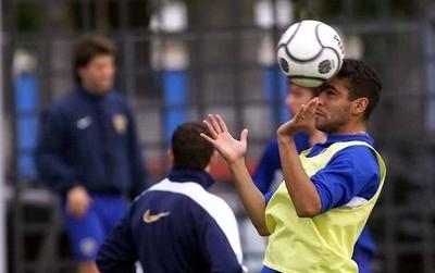 HOY / Destello y caída de 'Escobillón', el delantero campeón con Riquelme y que jugó en Luqueño