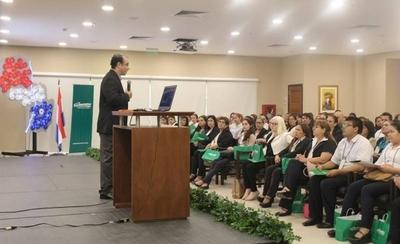 HOY / Farmacenter realizó III Seminario de Actualización Científica