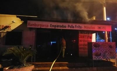 Comedor consumido por un incendio