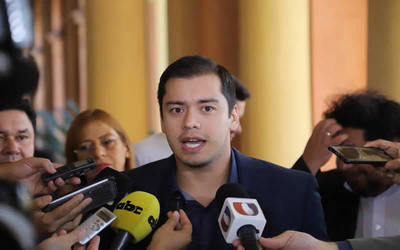 Prieto acusa a concejales de extorsionadores