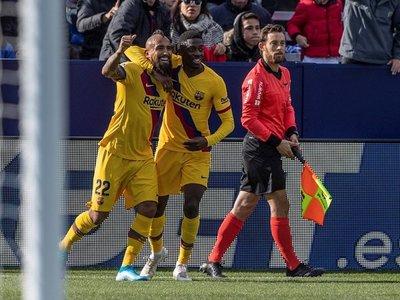 Barcelona remonta en Butarque y sigue como líder en España