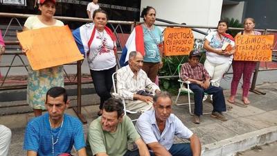 Nicanor tercerizó trabajos de área verde de la EBY y entregó a operadores políticos del oficialismo