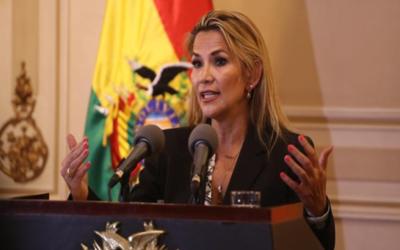 Jeanine Áñez promulgó ley que convoca a nuevas elecciones en Bolivia