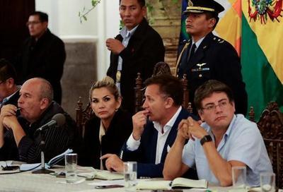Gobierno interino y movimientos sociales de Bolivia avanzan en acuerdo de pacificación
