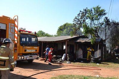 Una gomería se incendió en San Juan, Misiones