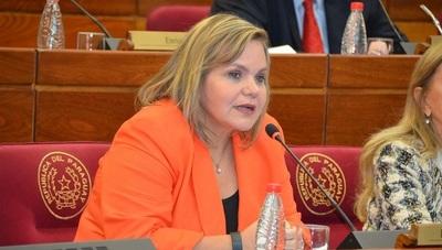 Samaniego pide no tomar a la ligera eventual juicio político a Sandra Quiñonez