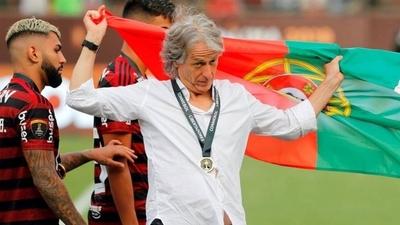 HOY / El presidente de Portugal felicita a Jorge Jesús, a quien estudia condecorar