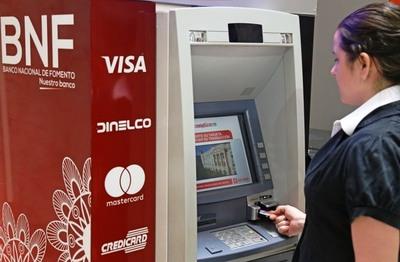 Hacienda inició pago de salarios a funcionarios públicos