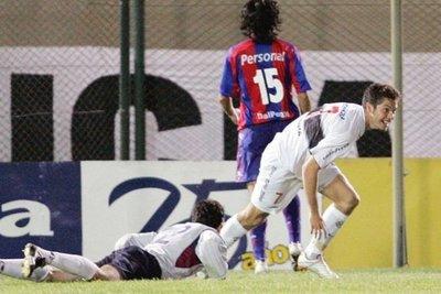 """Dante López: """"si hay alguien que se merece esos 4 goles, es Roque"""""""