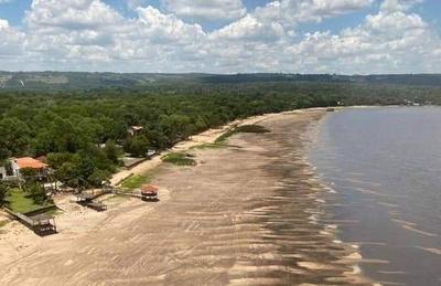 """HOY / Alarma ante pronunciada bajante del lago Ypacaraí: elaboran plan piloto para """"regular"""" salida de agua"""