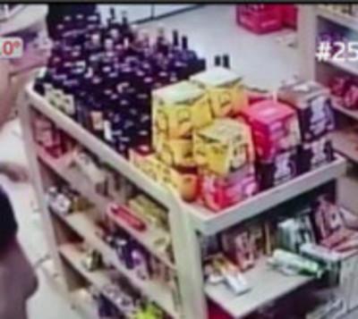 Violenta gresca entre hombres en minimarket