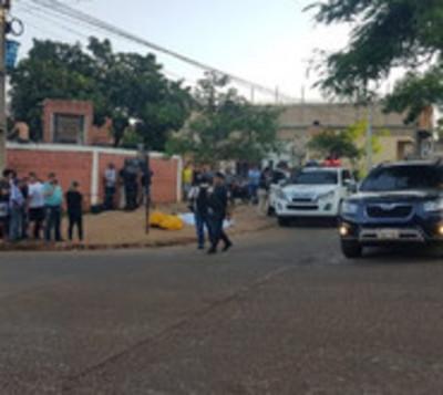 Presuntos motoasaltantes acaban con la vida de guardia de seguridad
