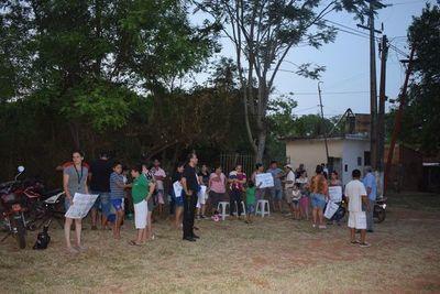 Cierran ruta en reclamo de agua potable en Carapeguá