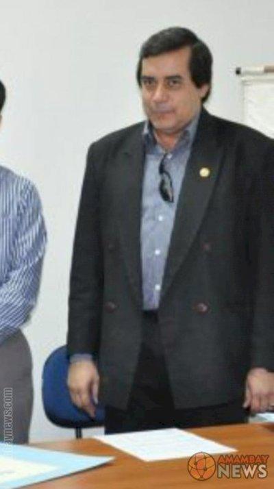 Grave denuncia de Alumnos de la Universidad del Norte 10 Mil Reales estaria cobrando el Director Sergio Ortiz para pasar sin rendir