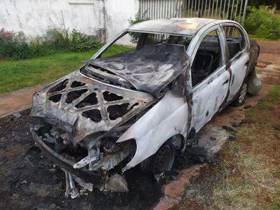 Lanzan bomba molotov contra vehículo de abogada en Encarnación