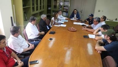 HOY / Funcionarios de la ANDE logran acuerdo con autoridades y deciden levantar huelga