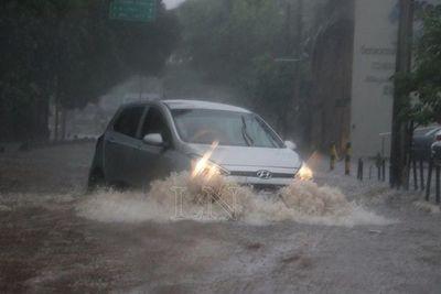Mantienen alerta por lluvias en 14 departamentos