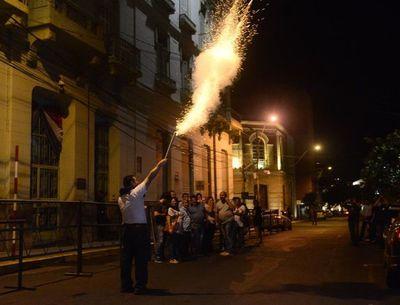Se activa huelga de trabajadores de Hacienda