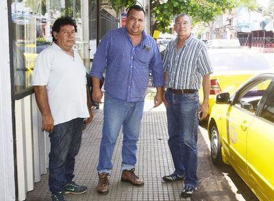 Junta debatirá sobre denuncias de taxistas