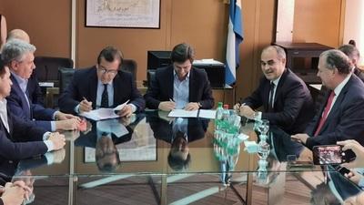 Firman los contratos para iniciar las obras civiles de Aña Cuá