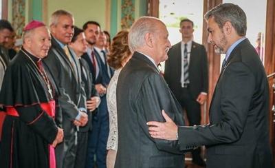 HOY / Asume suegro de Fidel Zavala en reemplazo de Kriskovich en el Vaticano