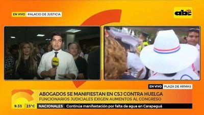 Abogados se manifiestan en CSJ contra huelga