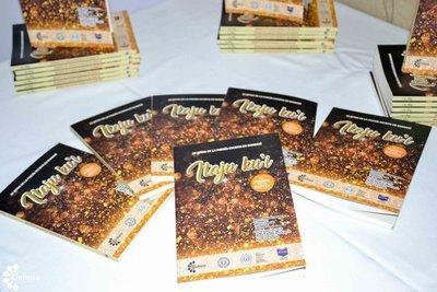 """Presentaron """"Itaju ku'i"""", 20 joyas de la poesía escrita en guaraní"""